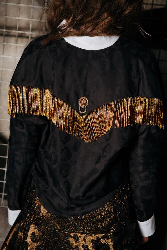 Рубашка с бахромой из стекляруса