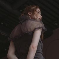 Трикотажное платье в рукавом-буф